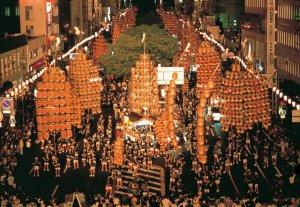 Фестиваль Канто мацури в Акита